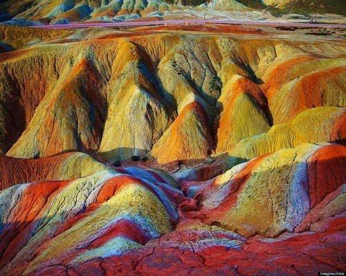 جبال قوس قزح بالصين و جمال طبيعي خلاب 6